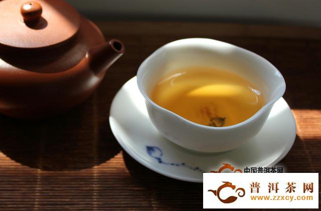 淡茶比浓茶更养人