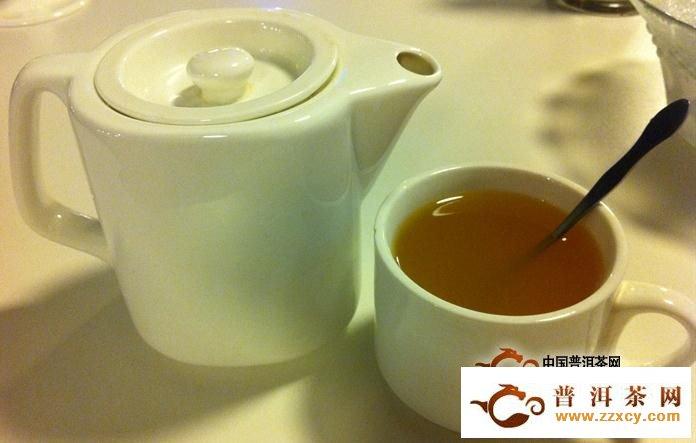 绿茶配蜂蜜是消炎又润喉的好疗方